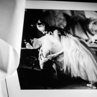 Вы можете выбрать стандартную фотобумагу или художественные бумаги премиум-класса Hahnemuehle, Canson.